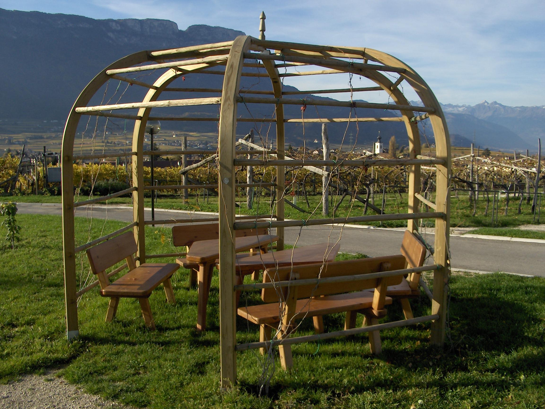 Sechseckige Gartenlaube Sitzgruppe